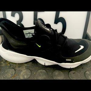 Brand new Nike Free Runs Size 8